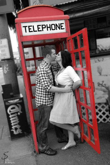 phone booth kiss